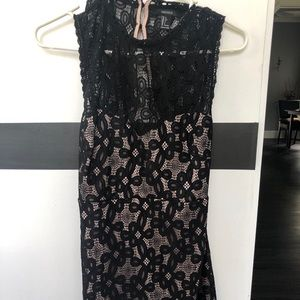Forever 21 Dresses - Lace cut out back dress